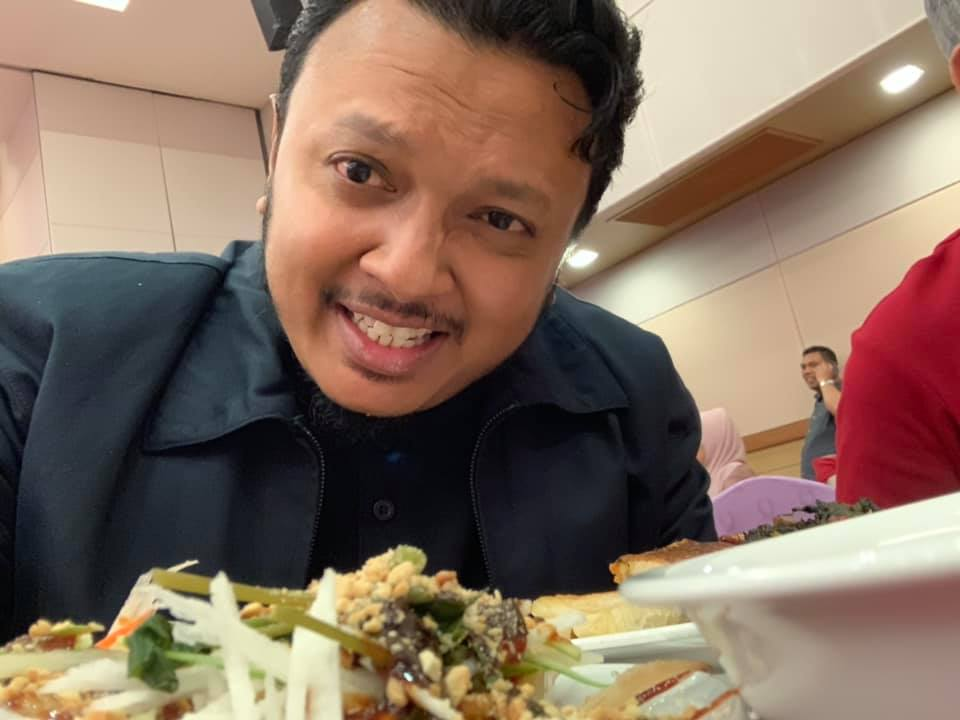 Lebih 11K Share, Cara Chef Ini Basuh, Potong & Lembutkan Daging Simple Habis!