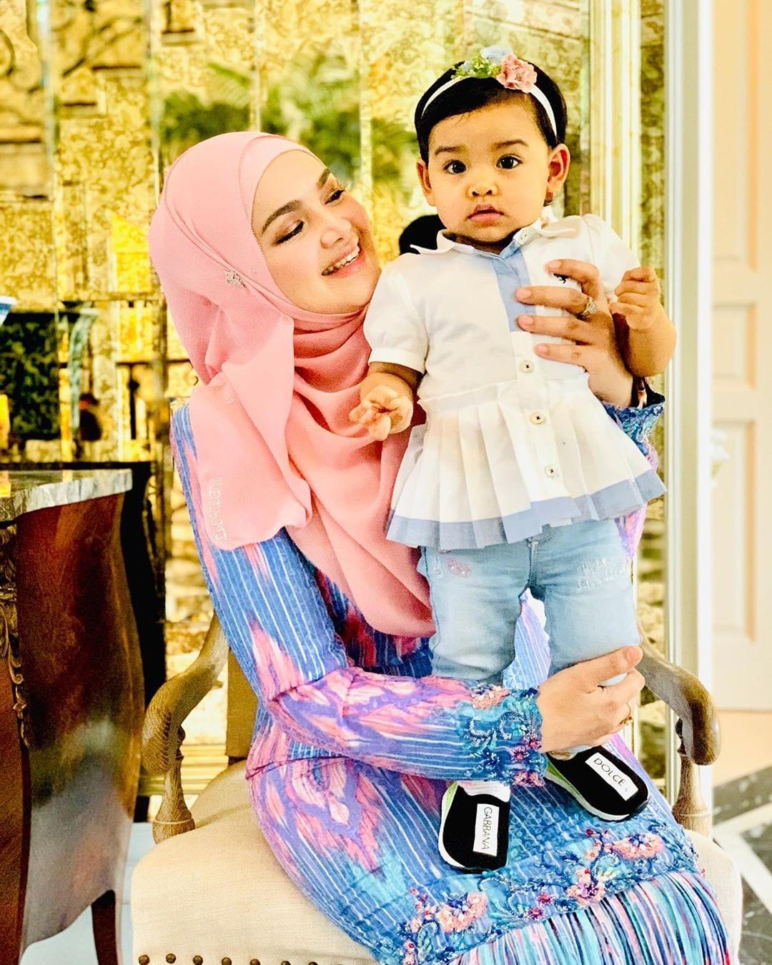 """""""Please Nak Nenen""""- Lebih 4K Komen Dalam Sejam, Ramai Cair Tengok Siti Aafiyah"""