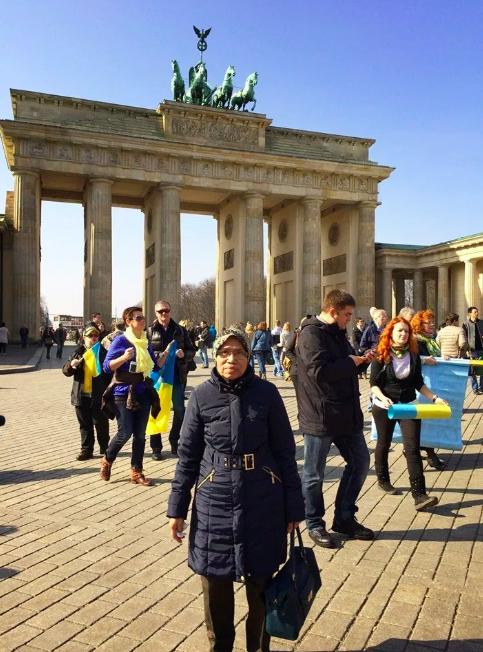 Dulu Penoreh Getah, Belajar Setakat Darjah 4.. Demi Cucu Mak Terbang Ke Jerman
