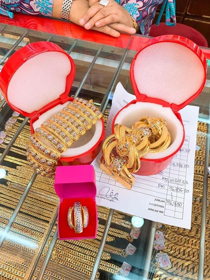 Suami Hadiahkan Emas Hampir RM100K, Rupanya Ada 'Rahsia' Yang Ramai Tak Tahu