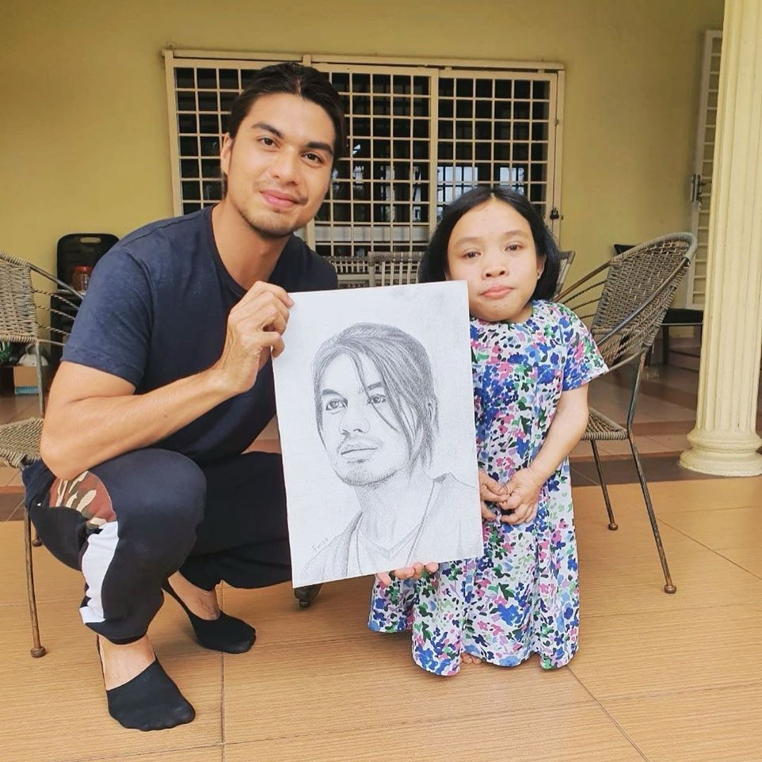 Ben Amir Tunai Janji Jumpa Peminat OKU Yang Lukis Potret Wajahnya