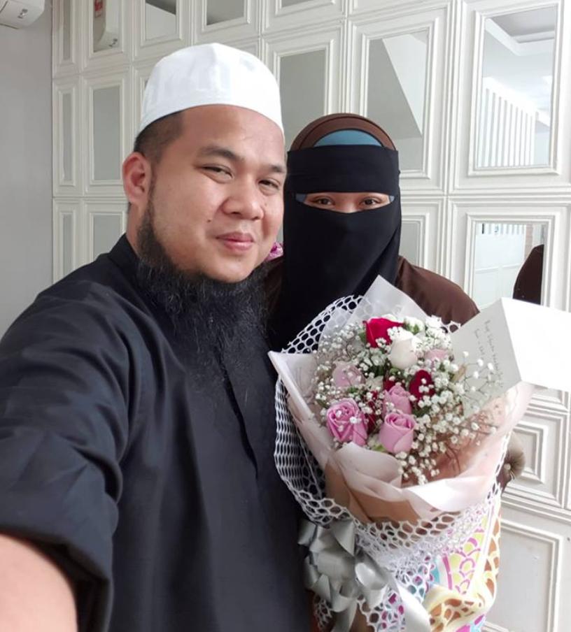 Dapat Dating Dengan Isteri Pun Rasa Bahagia, Rupanya Mereka Rindu Nak Berbual
