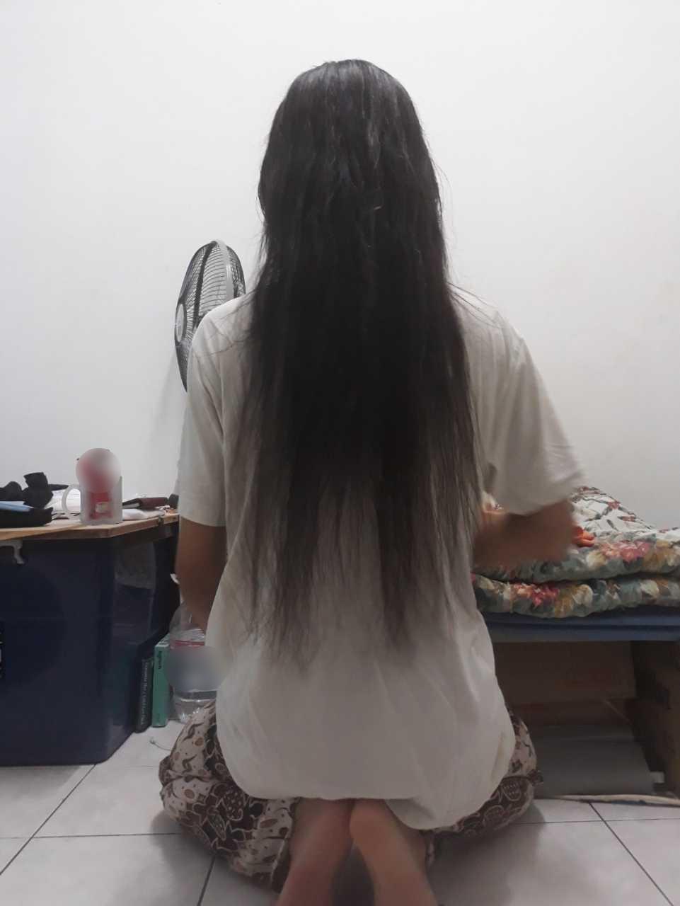 Jangan Bebel Rambut Isteri Banyak Di Lantai, Itu Tanda Mereka Penat Perlu Rehat