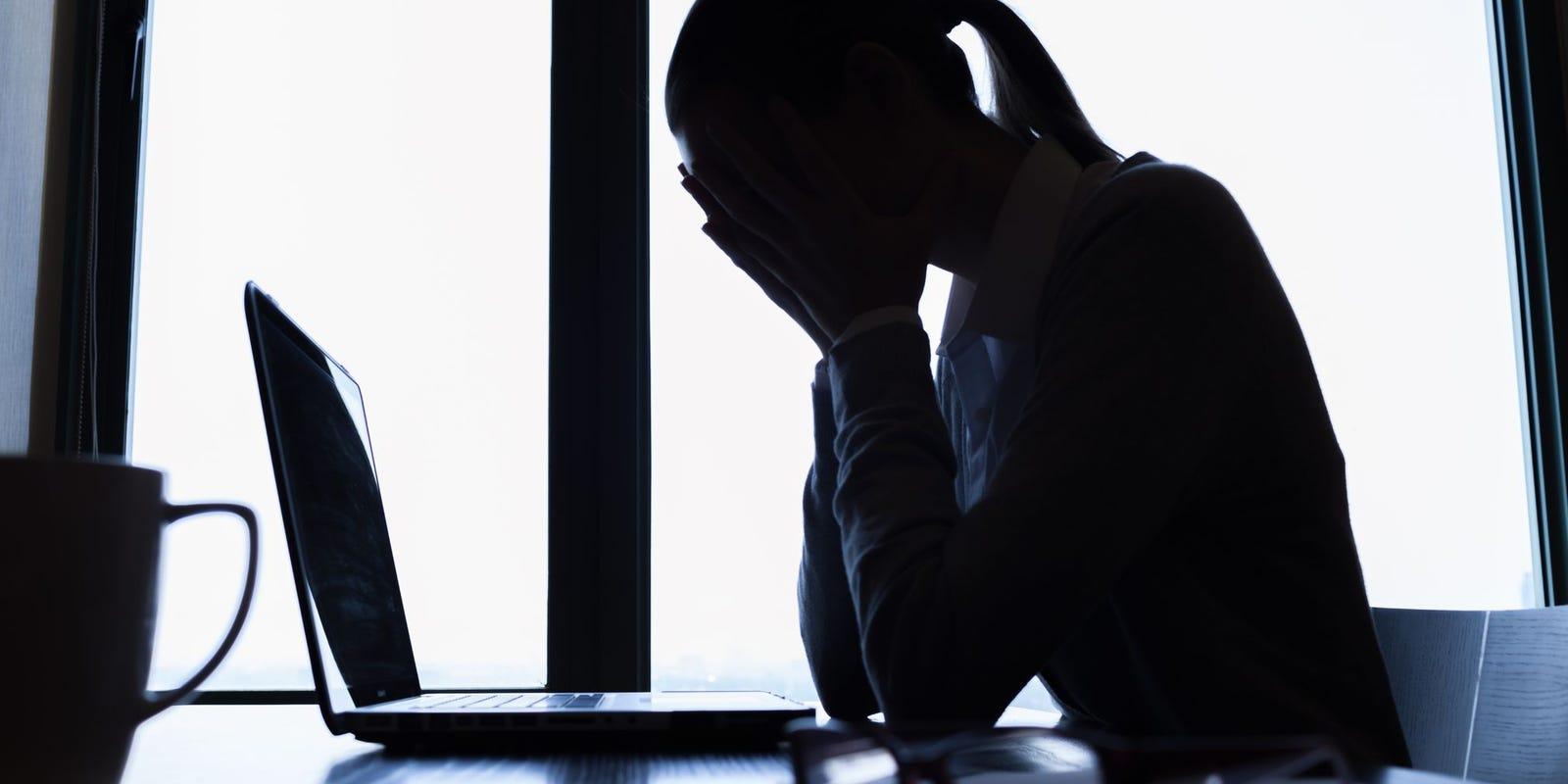 Anak Demam Tapi Mak Tak Boleh Cuti, Bos Kesal Bila Kena Batang Hidung Sendiri