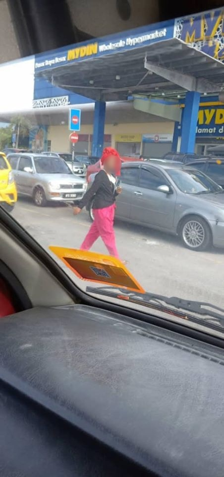 Gagal Cuba Rampas Duit Orang, Wanita Psiko Nekad Cucuh Puntung Dekat Mata Pula