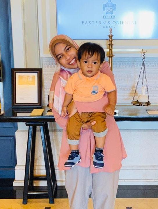 [VIDEO] Anak Merengek Sebak Mahu Ibu, Terpaksa Kuarantin Sebab Risiko COVID-19