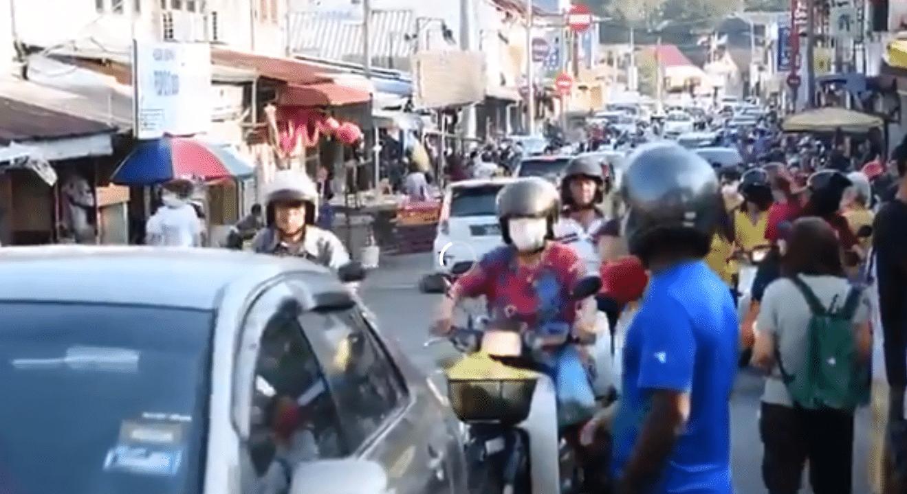 [VIDEO] Meriah Dengan 'Lautan Manusia', Netizen Risau Keadaan Di Pulau Pinang
