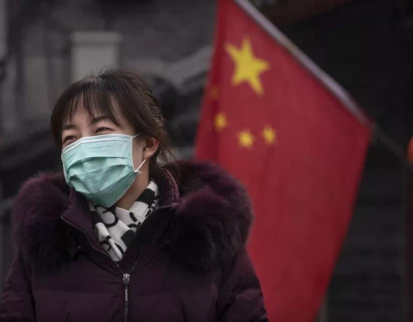Catat Angka Tertinggi Covid-19, Pantai Hong Kong Tercemar Dengan Mask Terpakai