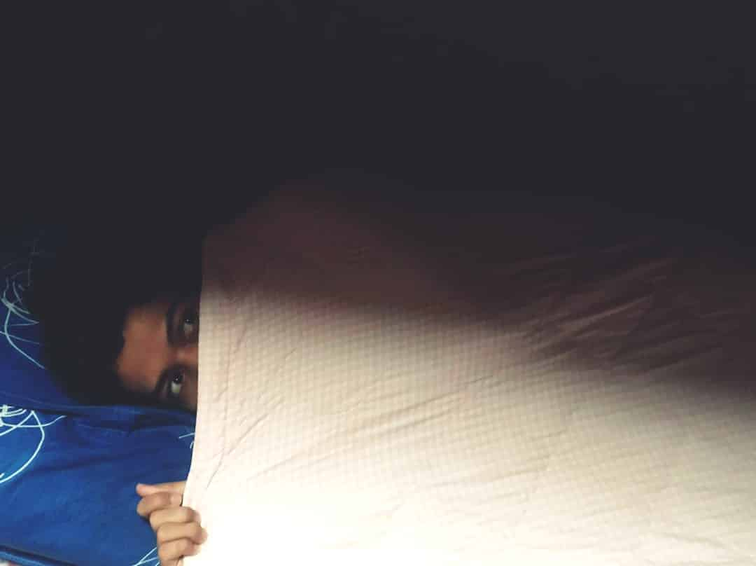 Sesak Dada Hingga Kaku Masa Tidur, Betul Ke Petanda Sedang Ditindih Hantu?
