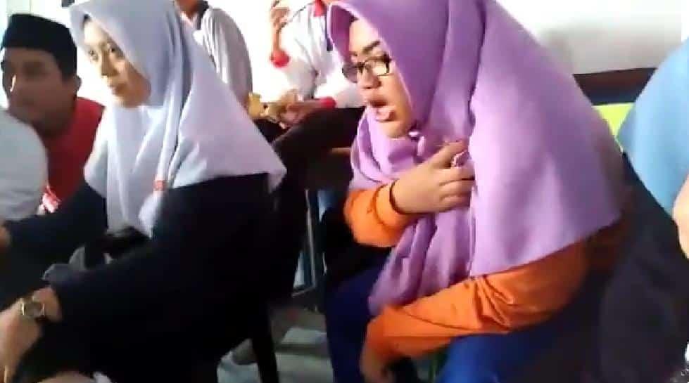 [VIDEO] Macam Tak Cukup Nyawa, Reaksi Member Tonton Filem Seram Cetus Kerisauan