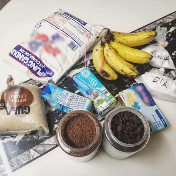 Moist Penuh Kacang Coklat Chip, Ini Dia Kek Pisang Viral Ala 'Kluster Kayangan'