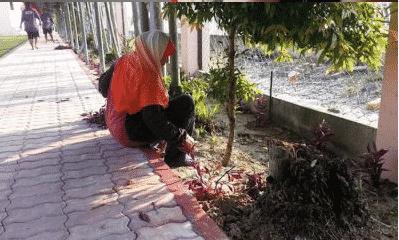 Tak Nak Lauk Free Tapi Terima Duit, Cikgu Terharu Dengar Jawapan 'Acik' Cleaner