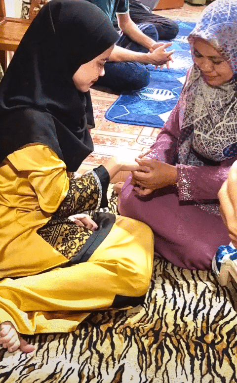 [VIDEO] Kenal Tak Sampai Sebulan, Terus Datang Jumpa Family Nak Ajak Kahwin