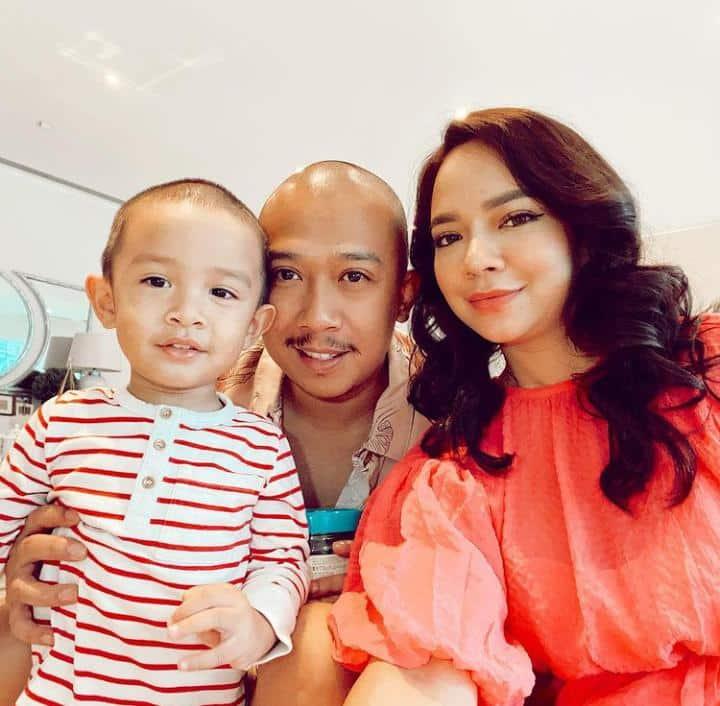 [VIDEO] Suami Nora Danish Dipuji Ramai, Pandai Soft Spoken Layan Anak Hidap OCD