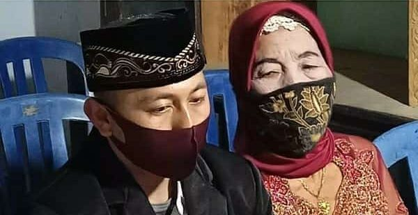 Pernah Reject 5 Lamaran Jejaka, Nenek 76 Tahun Akhirnya Dapat Jodoh Suami Muda