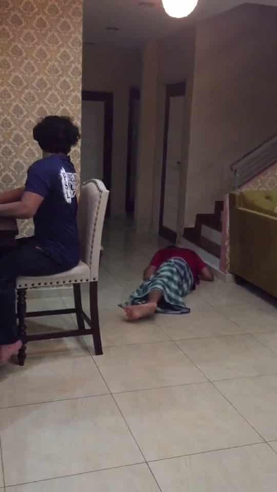 [VIDEO] Teruja Bawa Kek Hari Jadi, Ibu Gelabah Anak Tiba-Tiba Jatuh Pengsan
