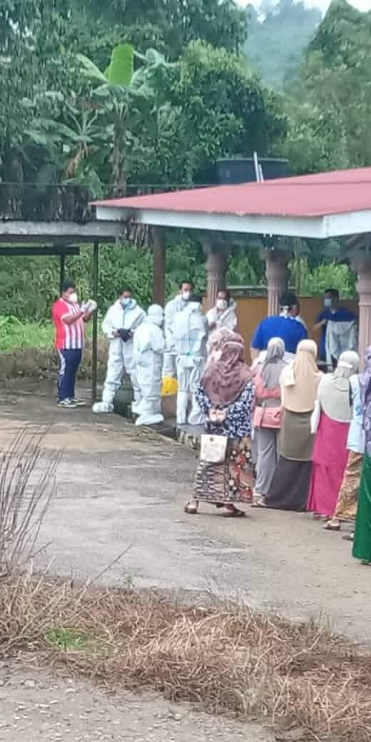 Orang Luar Yang Buat Hal, Satu Kampung Kena Tempias Beratur Buat Swab Test