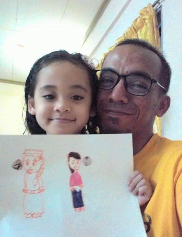 Lukisan Anak Gempak Habis, Ayah Support Minat Siap Bagi Conteng Kereta